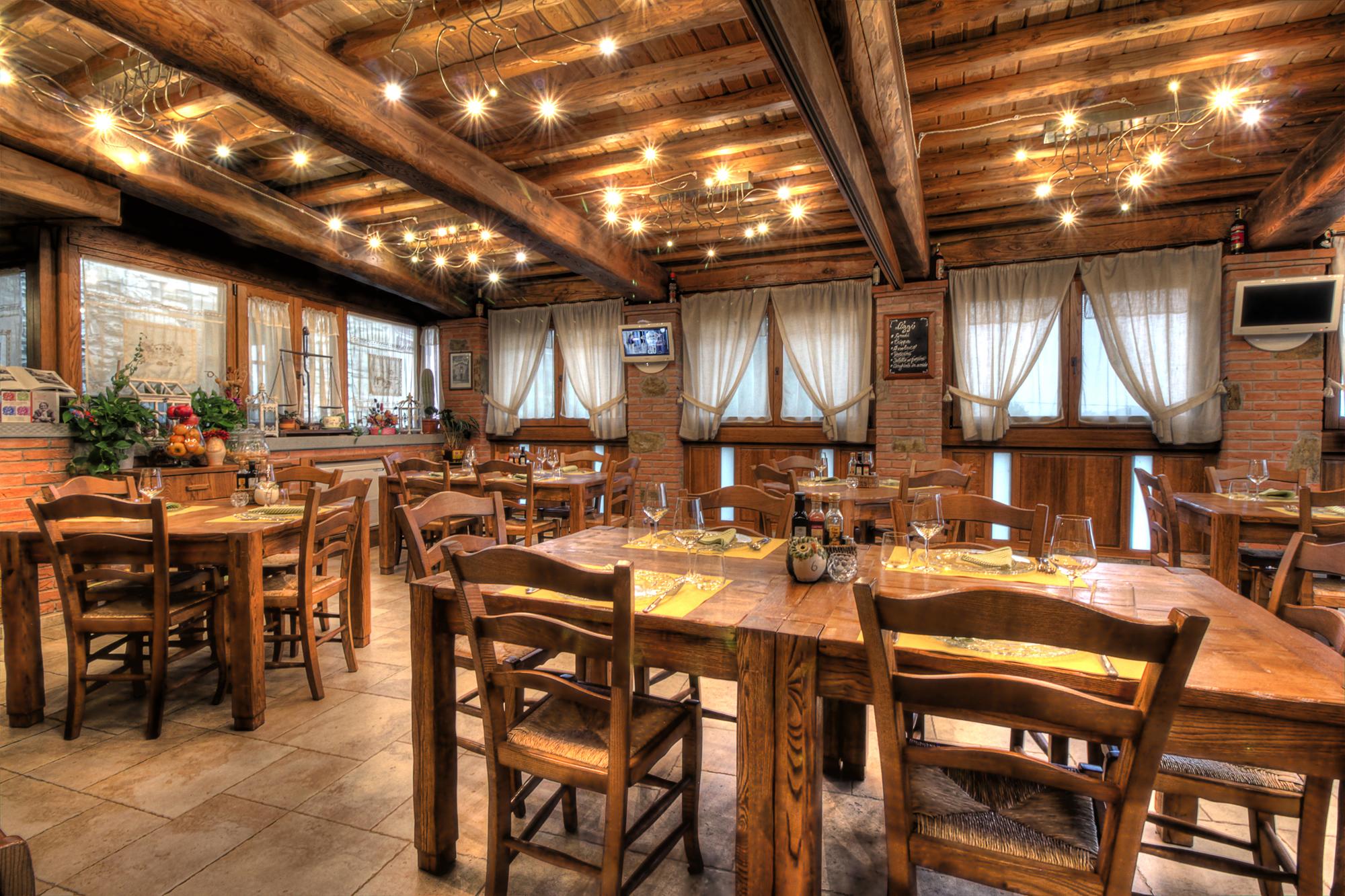 La locanda di giulia ristorante b b arezzo for Lampada ristorante